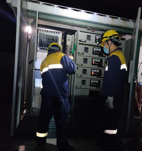 京沪高铁电力箱变精细化维修进行时